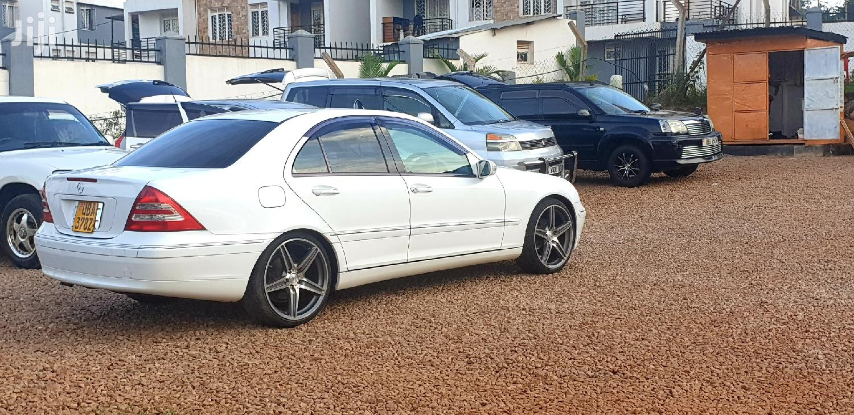 Archive: Mercedes-Benz C200 2001 White