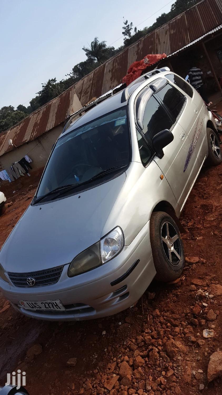 Toyota Spacio 2000 Gray