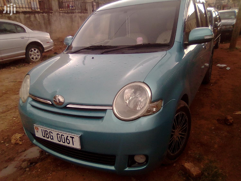 Archive: Toyota Sienta 2005 Blue