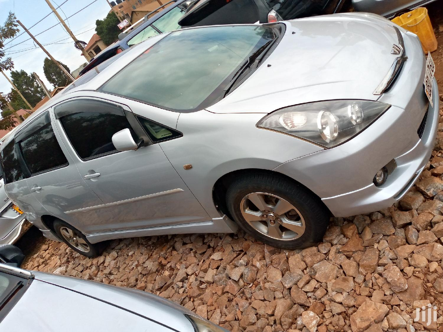 Archive: Toyota Wish 2006 Silver