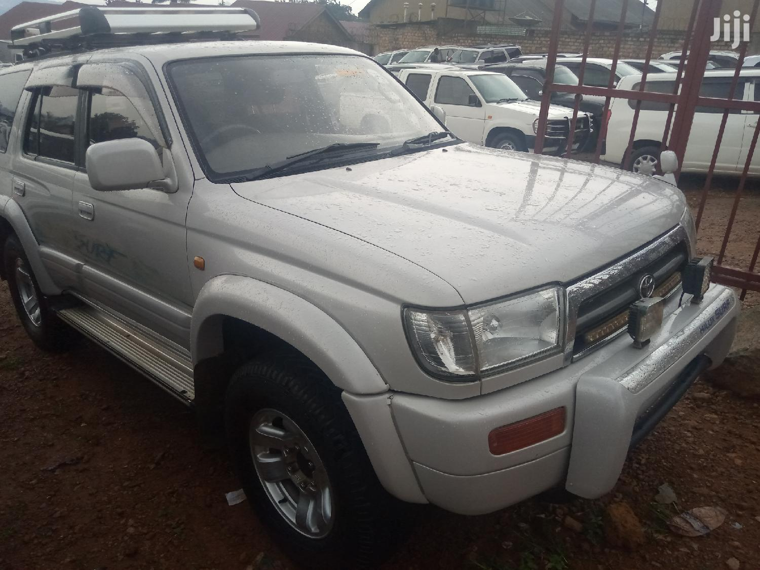 Archive: Toyota Surf 1998 Silver