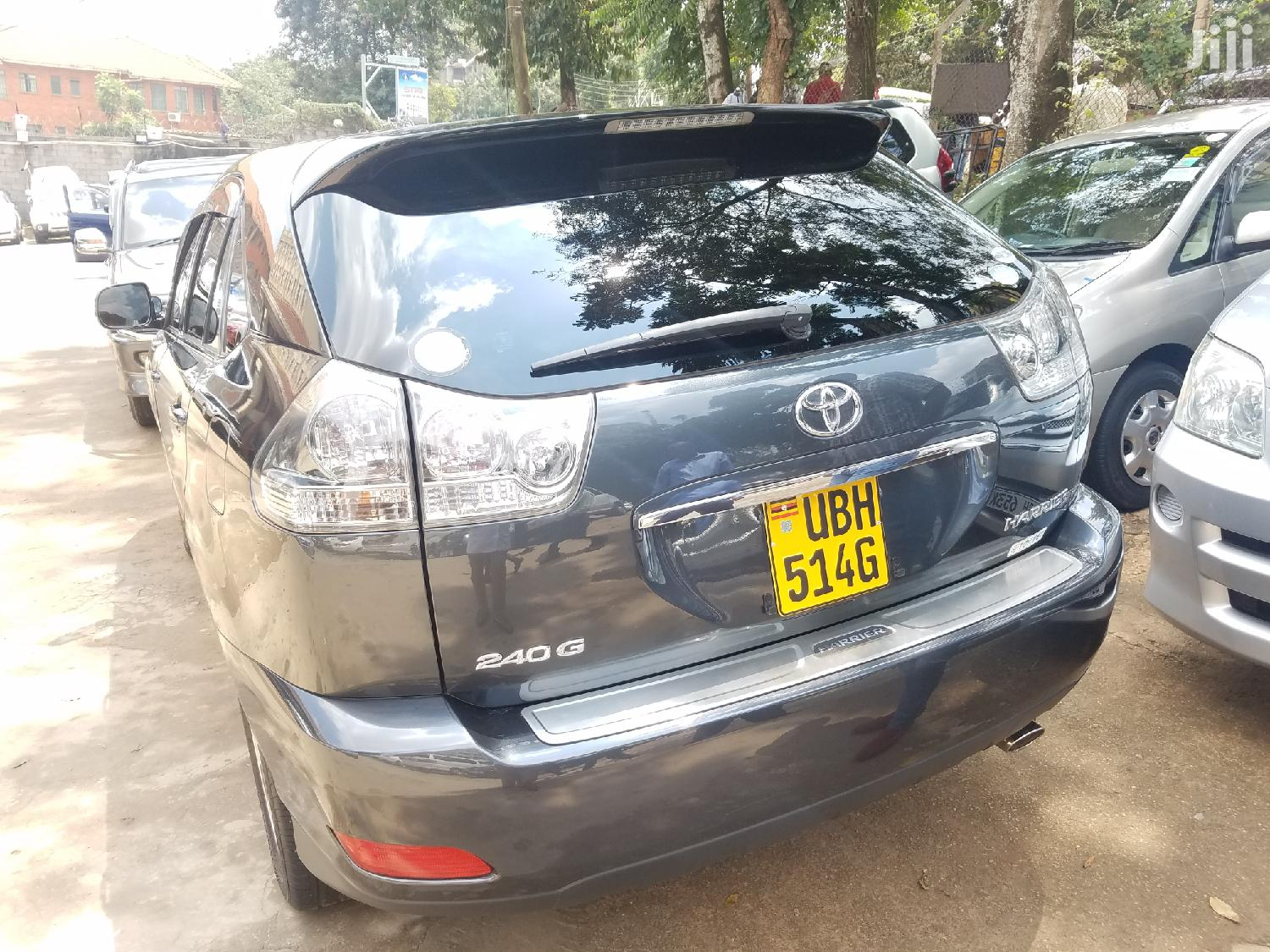 Archive: Toyota Harrier 2005 Gray
