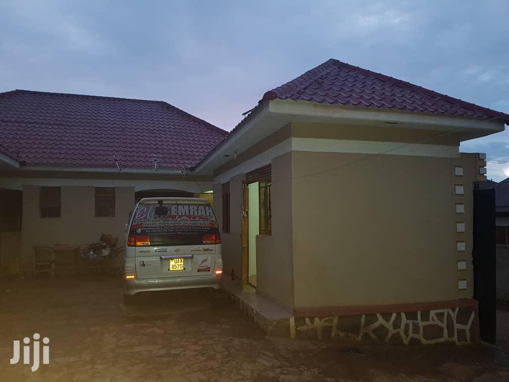 Archive: Rental Houses on Salama Road