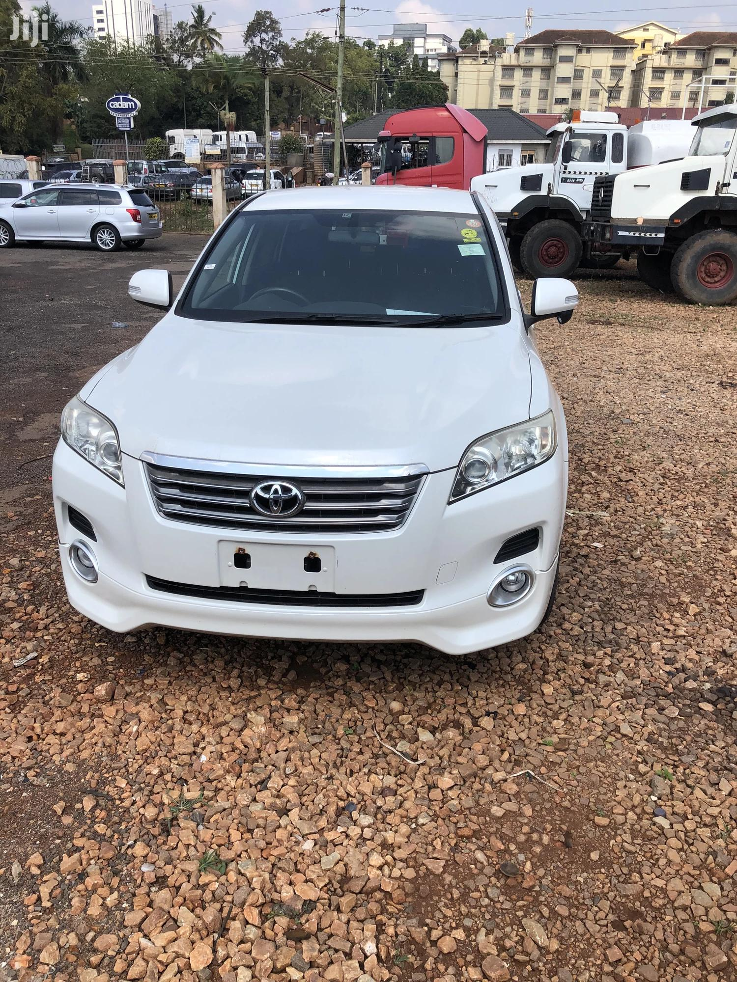 Toyota Vanguard 2008 White | Cars for sale in Kampala, Central Region, Uganda