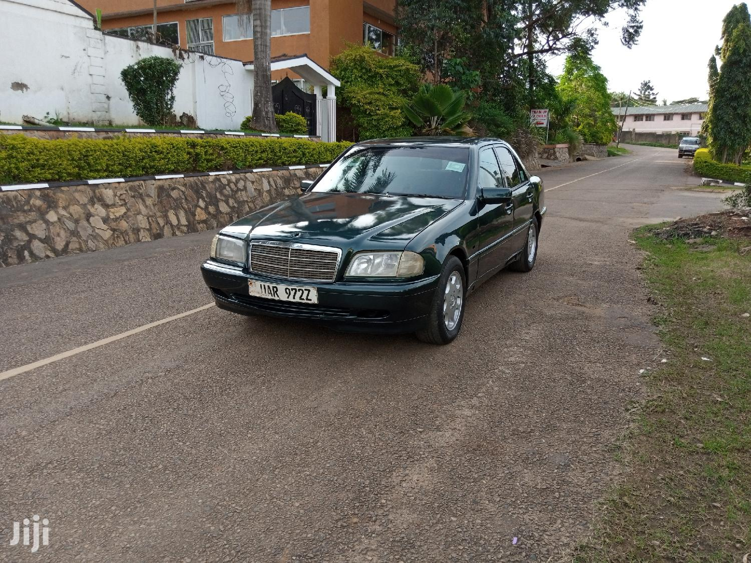 Archive: Mercedes-Benz C200 1999 Green