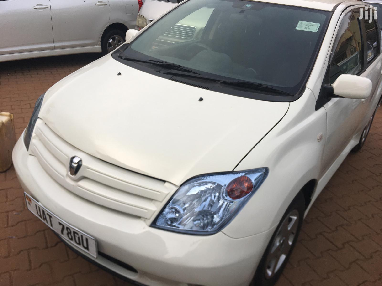 Toyota IST 2003 White