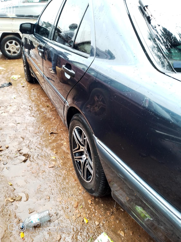 Archive: Mercedes-Benz C200 2000 Blue