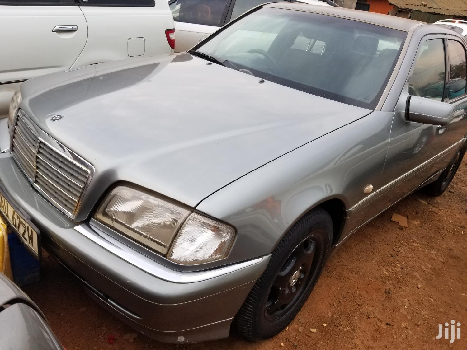 Mercedes-Benz C200 2001 Gray | Cars for sale in Kampala, Central Region, Uganda