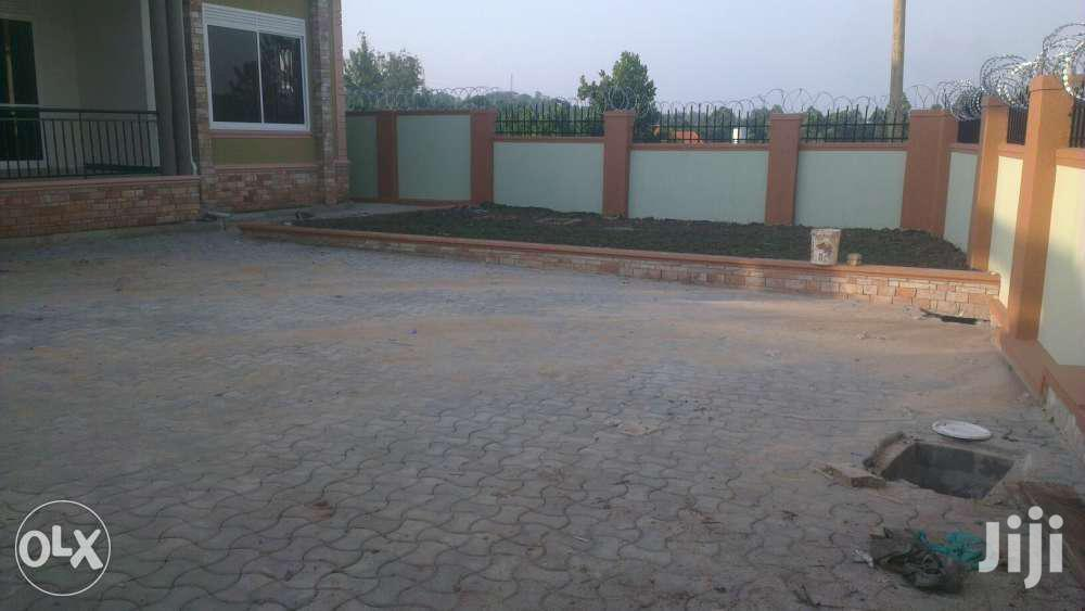 Archive: Selling This Gorgeous Home In Kira