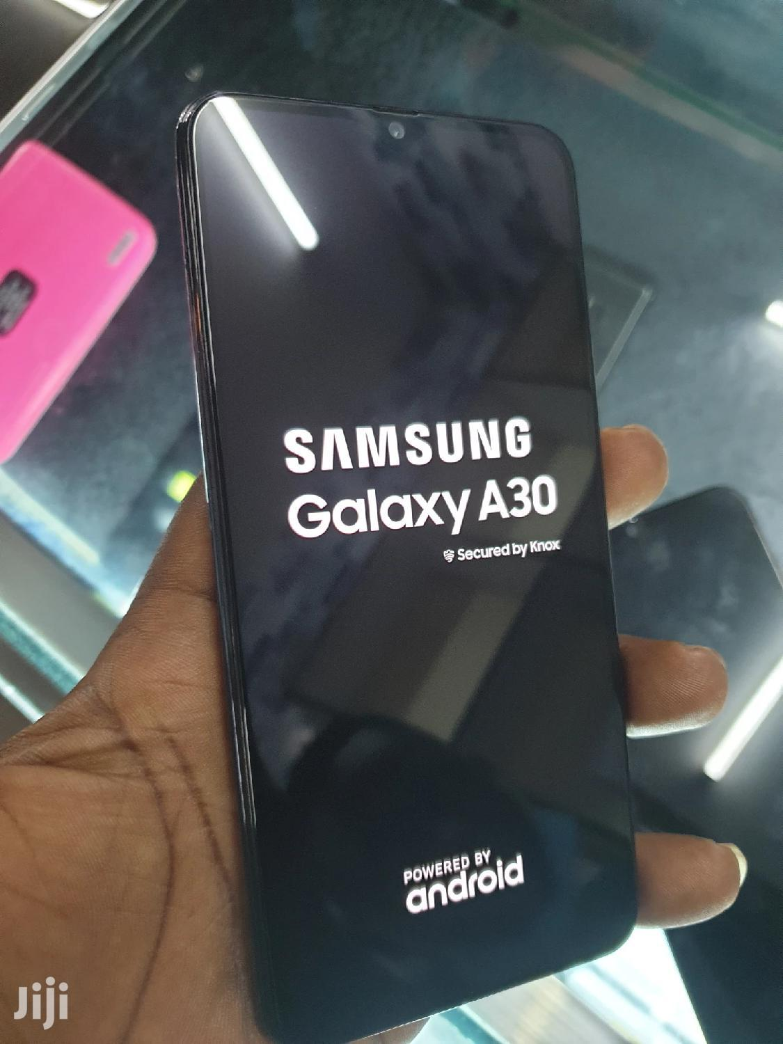 New Samsung Galaxy A30 64 GB Black