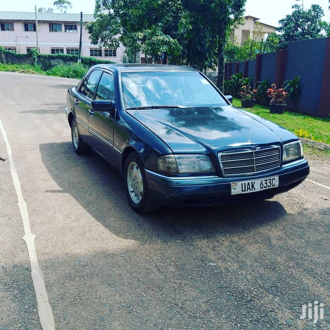 Archive: Mercedes-Benz C200 1997 Blue