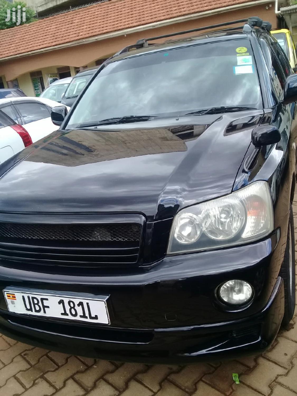 Toyota Kluger 2001 Black