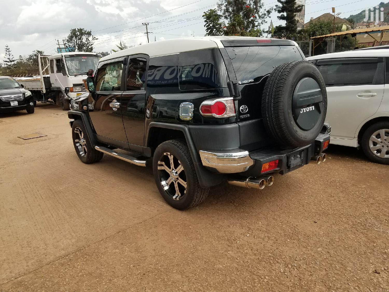 Archive: Toyota Land Cruiser 2014 Black
