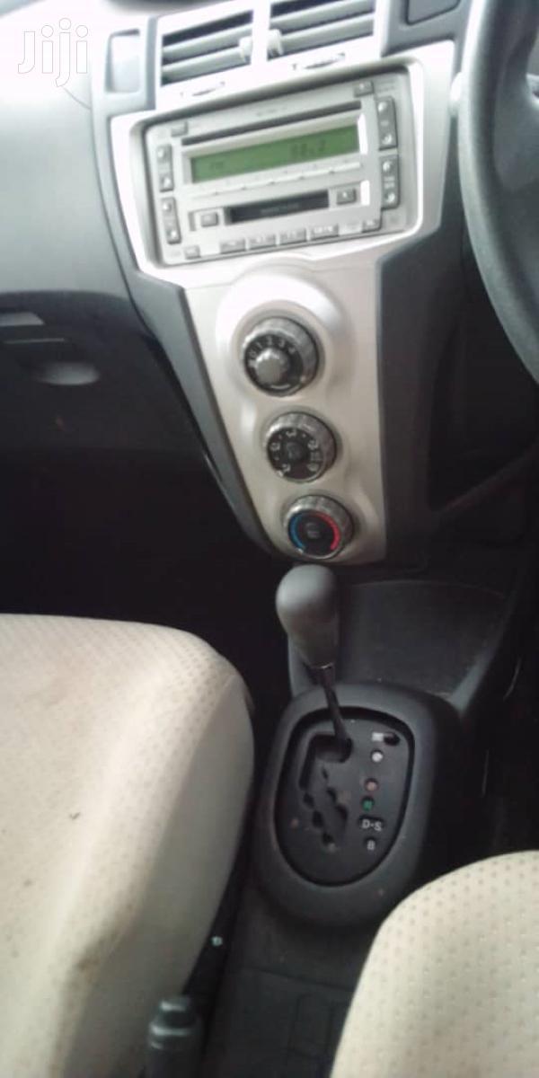 Archive: New Toyota Vitz 2007 Beige