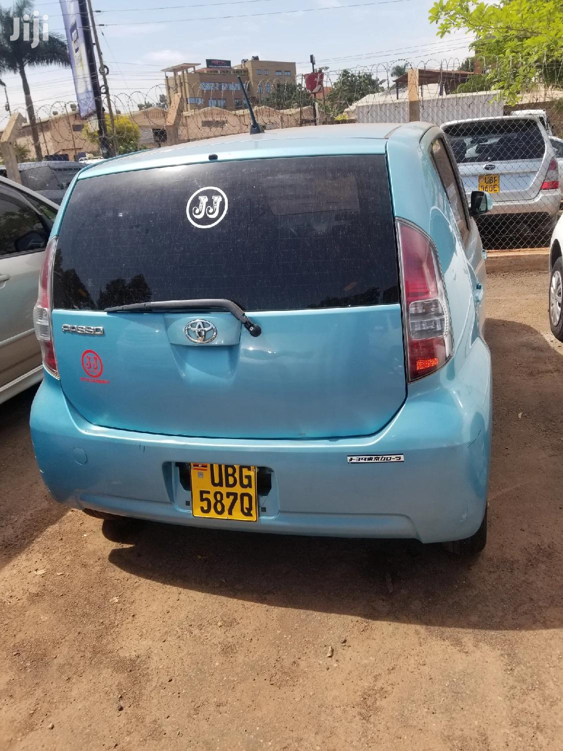 Archive: Toyota Passo 2006 Blue