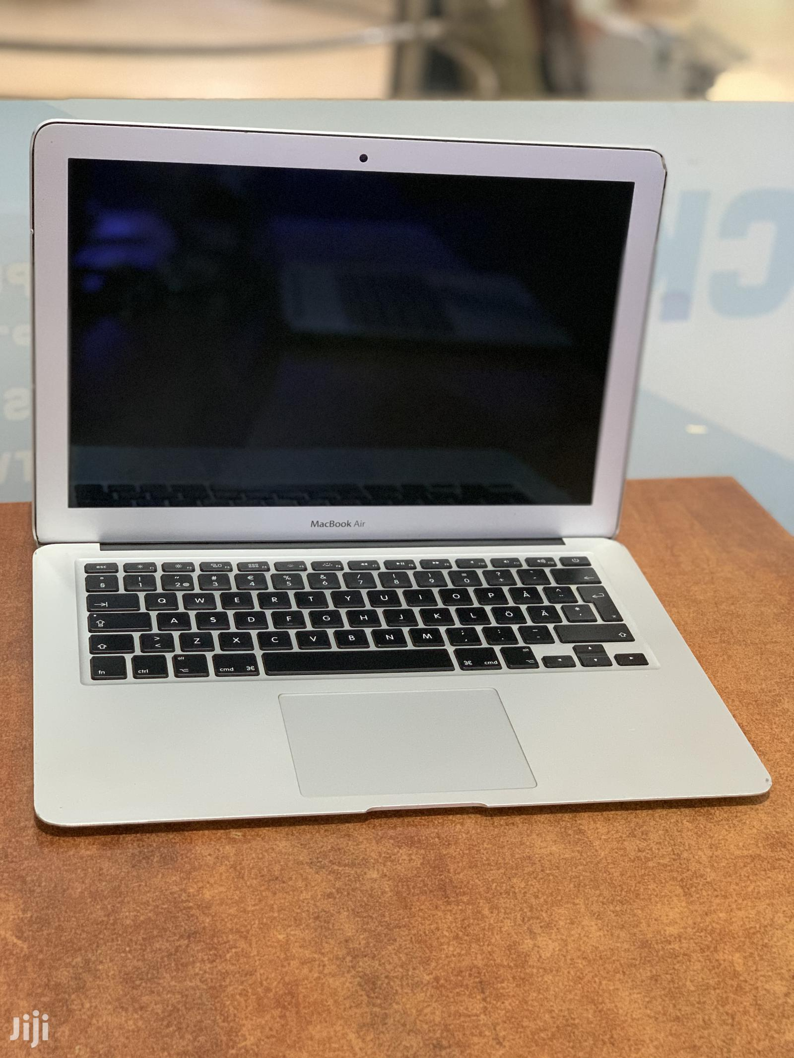 Laptop Apple MacBook Air 4GB Intel Core I5 SSHD (Hybrid) 128GB