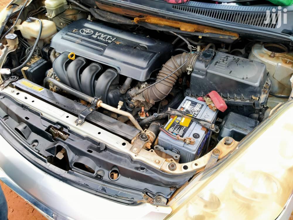 Archive: Toyota Wish 2005 Gray