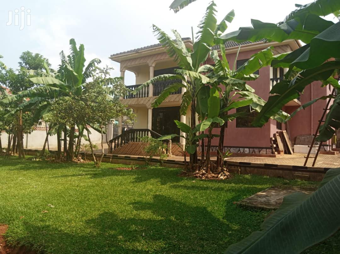 Very Classic Double Stroy Home on Quick Sale in Ntinda 25dec