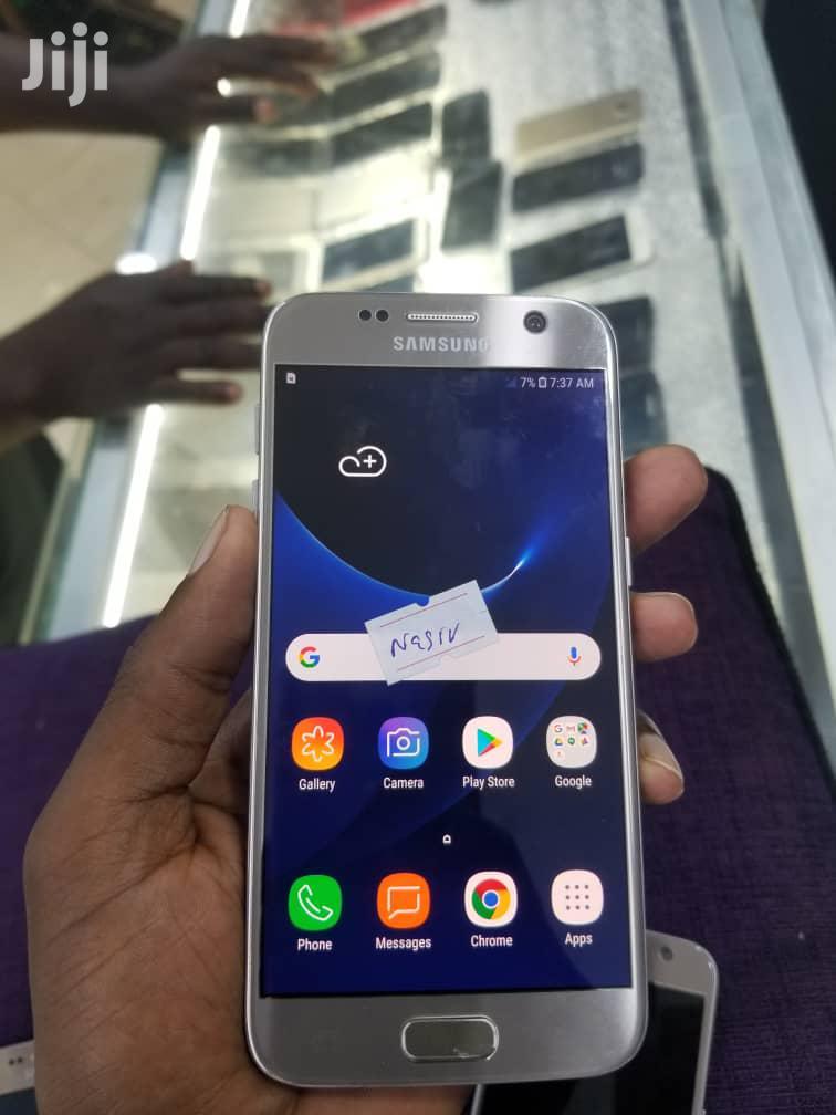 New Samsung Galaxy S7 32 GB Gold