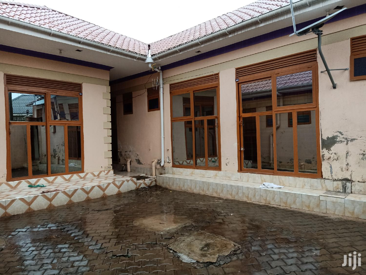 Kisaasi Single Room House For Rent