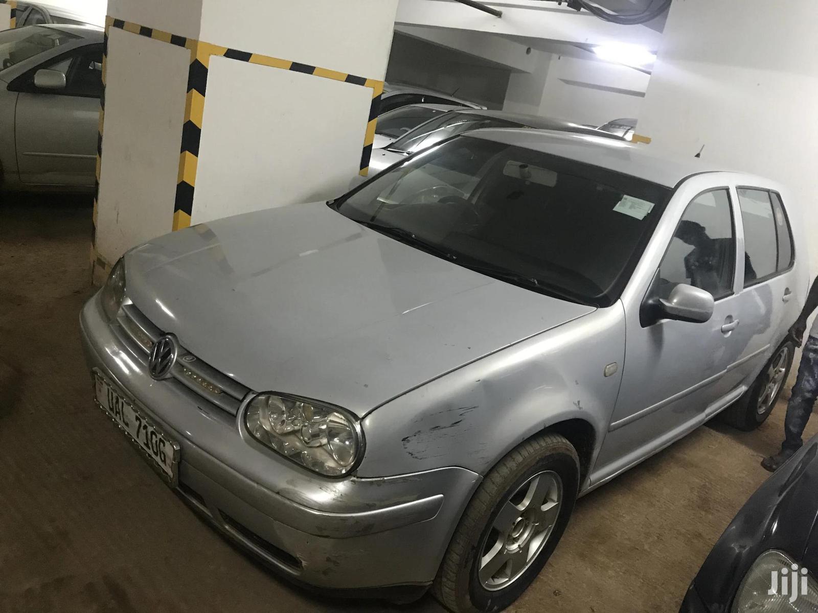 Archive: Volkswagen Golf 2004 GL 2.0 Silver