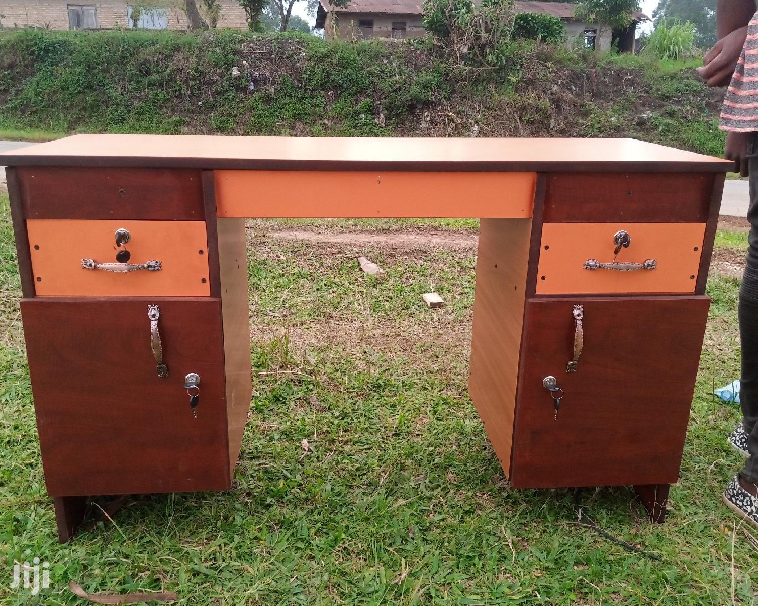 OFFICE DESK TABLE, Saloon Nail Table, Display Table E T C