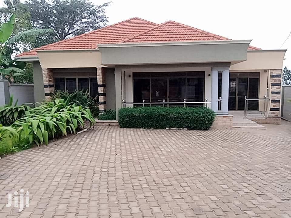 KIRA Executive Four Bedroom Banglow For Sale