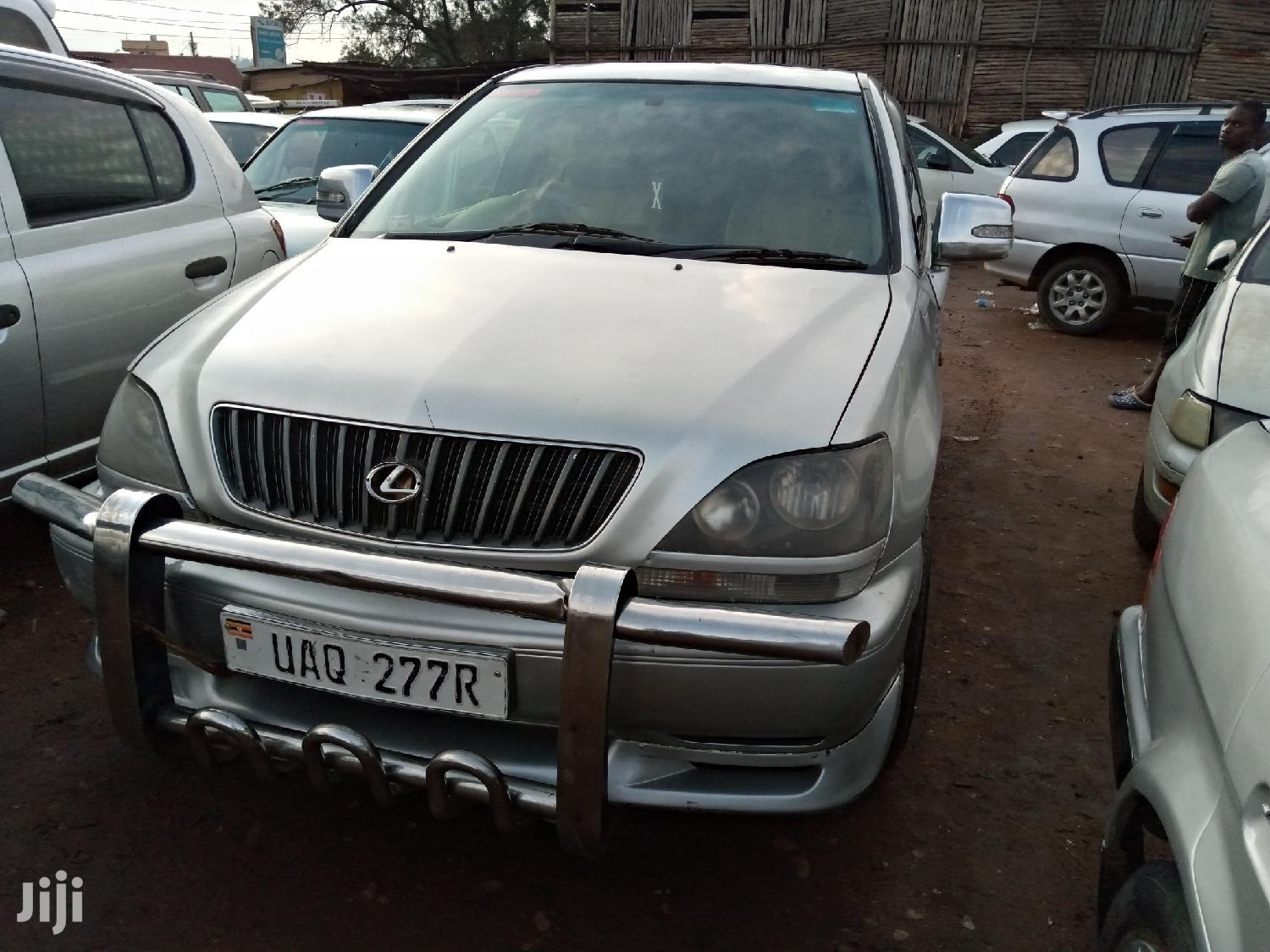 Toyota Harrier 2001 Silver