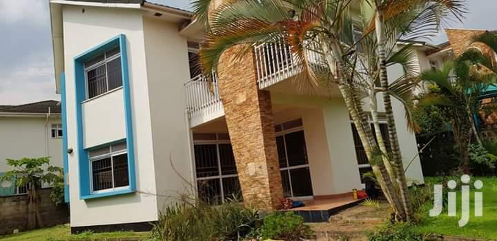 5 Bedoom Mansion for Sale at Lubowa Estate Entebbe Road.