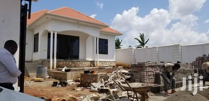 3 Bedroom Bungalow for Sale at Magere Gayaza Road, It Has 2 Bathrooms | Houses & Apartments For Sale for sale in Kampala, Central Region, Uganda