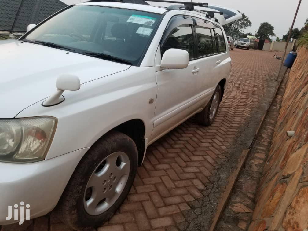 Toyota Kluger 2005 White