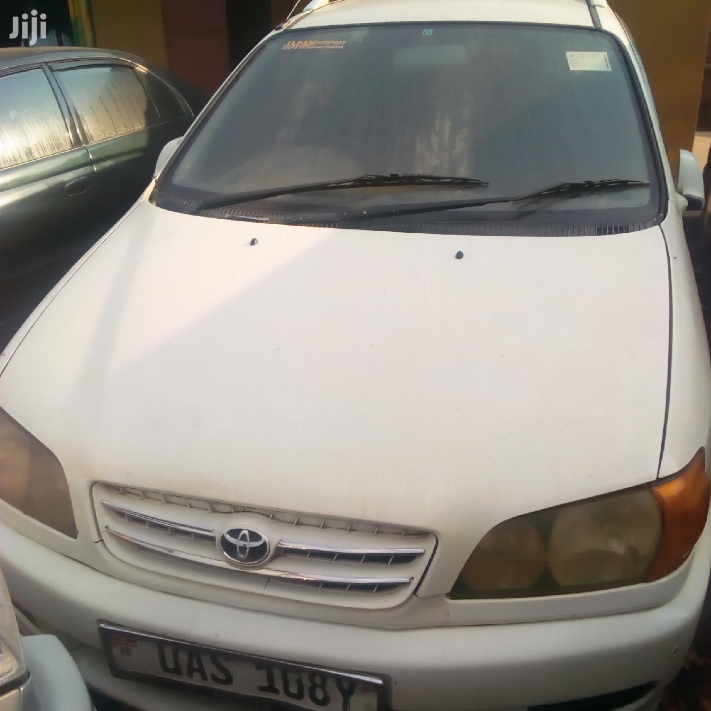 Toyota Ipsum 1999 White
