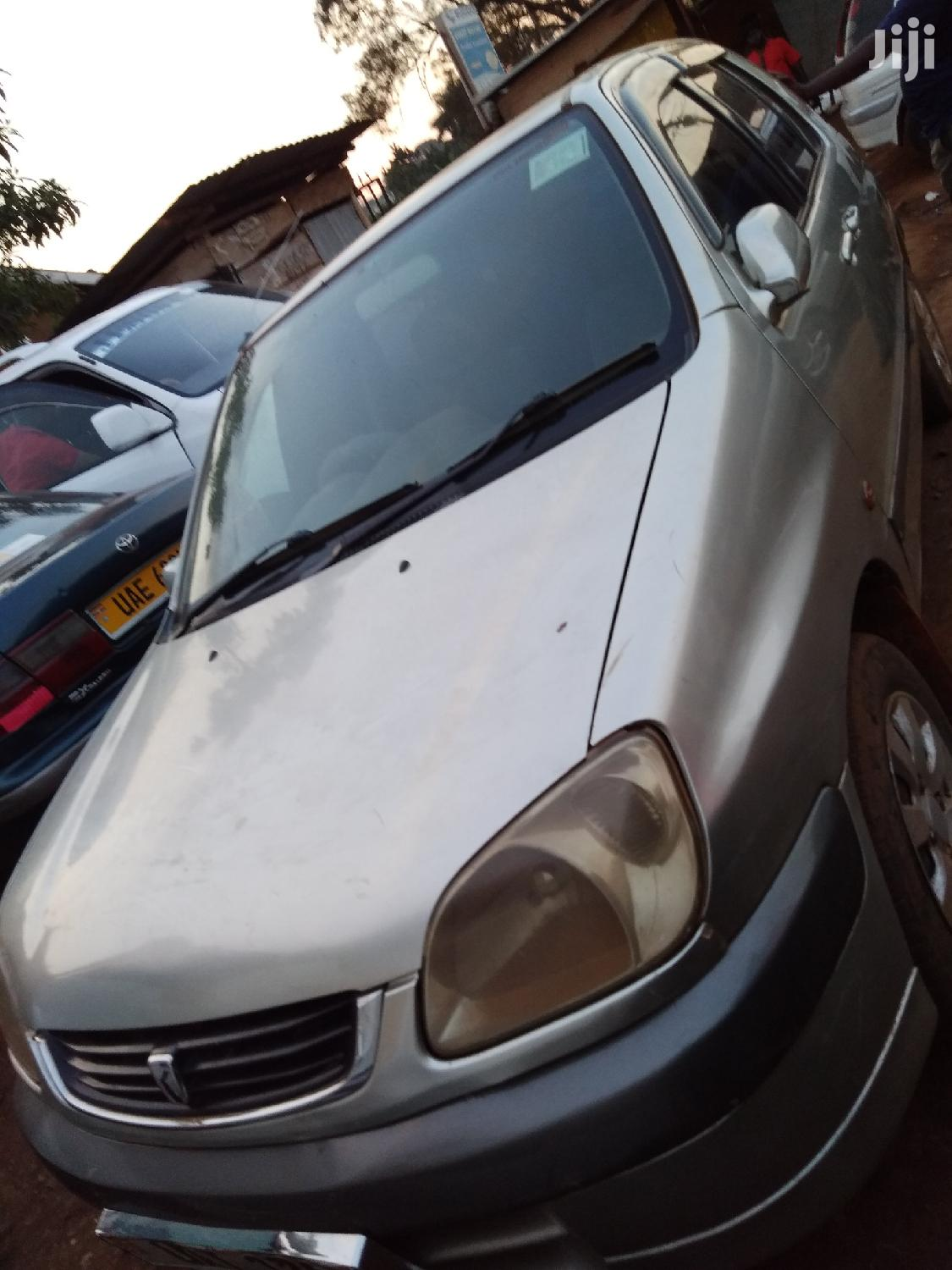 Archive: Toyota Raum 2000 Silver