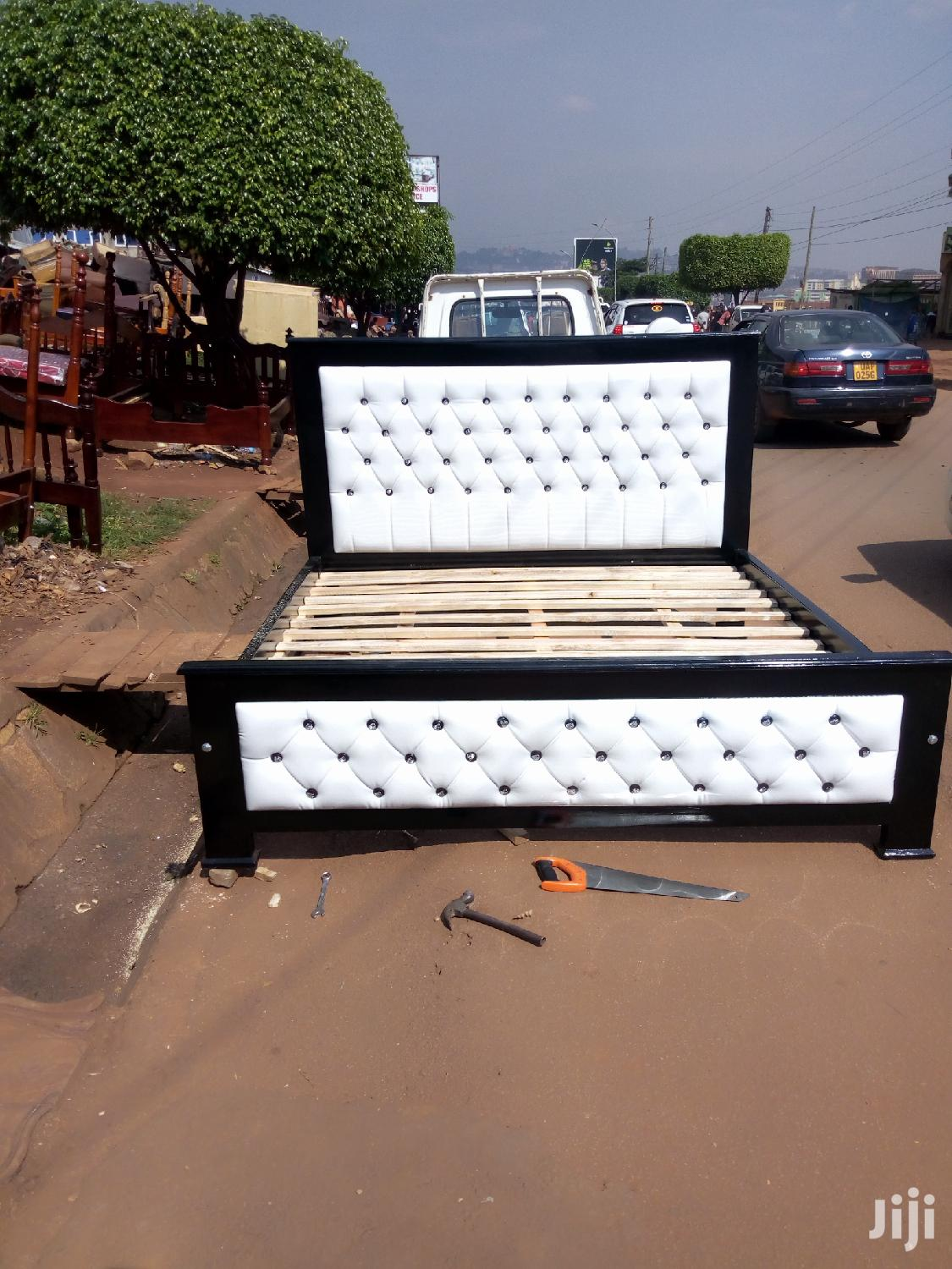 Archive: Simple Bed 6 By 6 White And Black