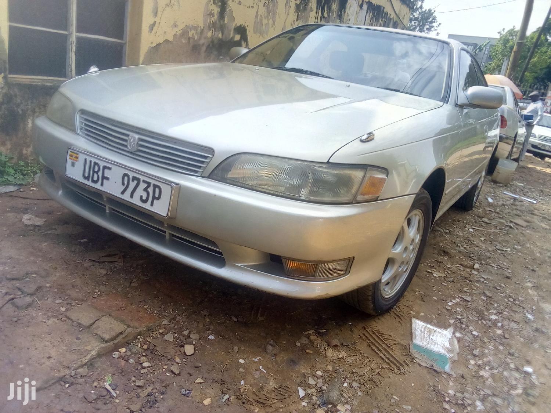 Toyota Mark II 2000 Silver