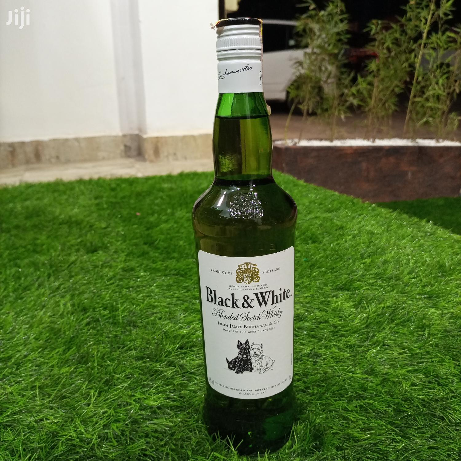 Archive: Black & White Whiskey 750ml