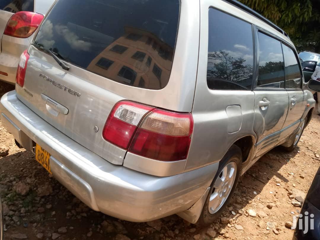 Archive: Subaru Forester 2000 Silver