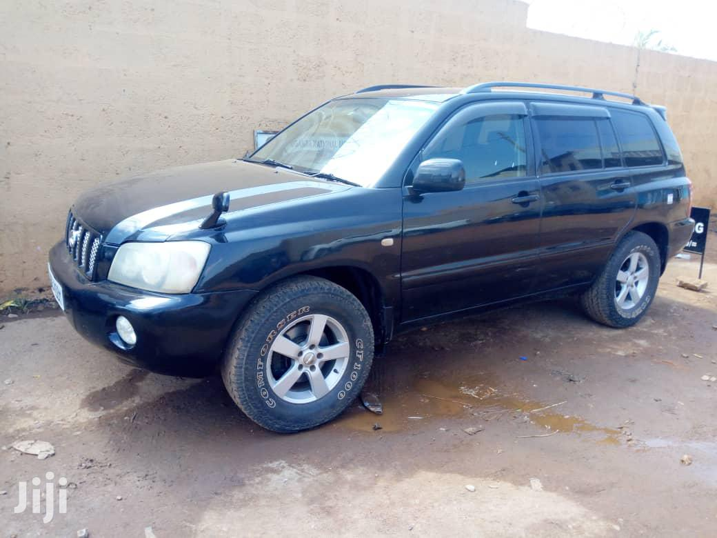 Archive: Toyota Kluger 2003 Black