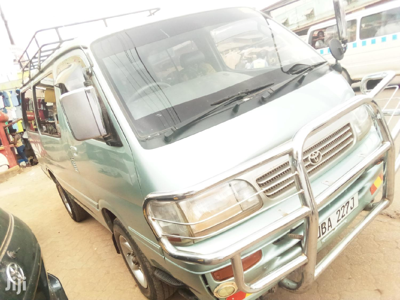 Archive: Toyota HiAce 1999