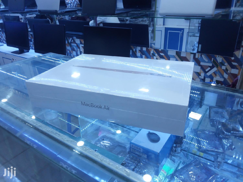 New Laptop Apple MacBook Air 8GB Intel Core i3 SSHD (Hybrid) 256GB