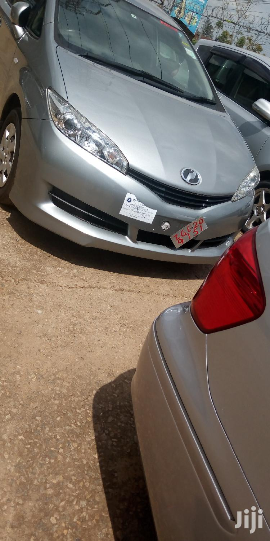 Toyota Wish 2010 Gray