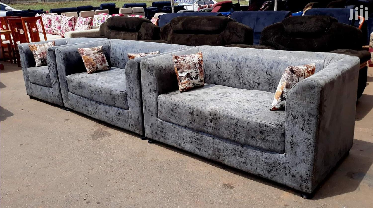 Archive: Comfortable Five Seater Sofa