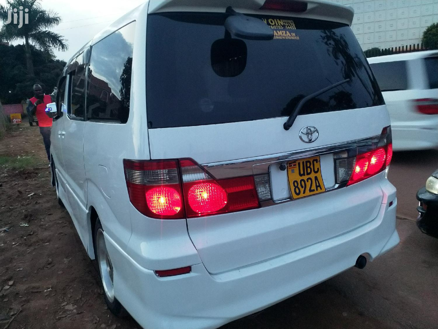 Toyota Alphard 2004 White | Cars for sale in Kampala, Central Region, Uganda