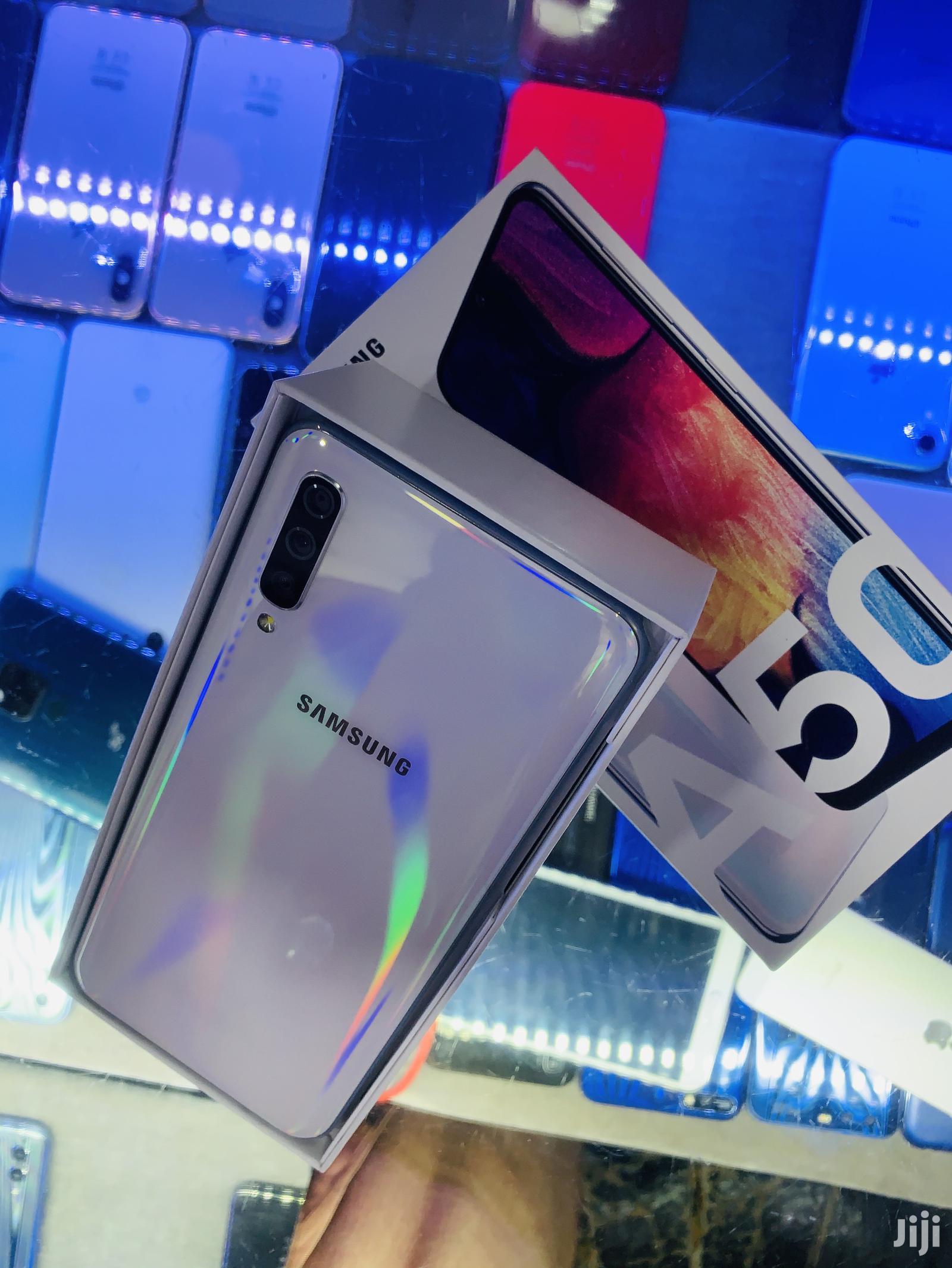 Archive: New Samsung Galaxy A50 128 GB White
