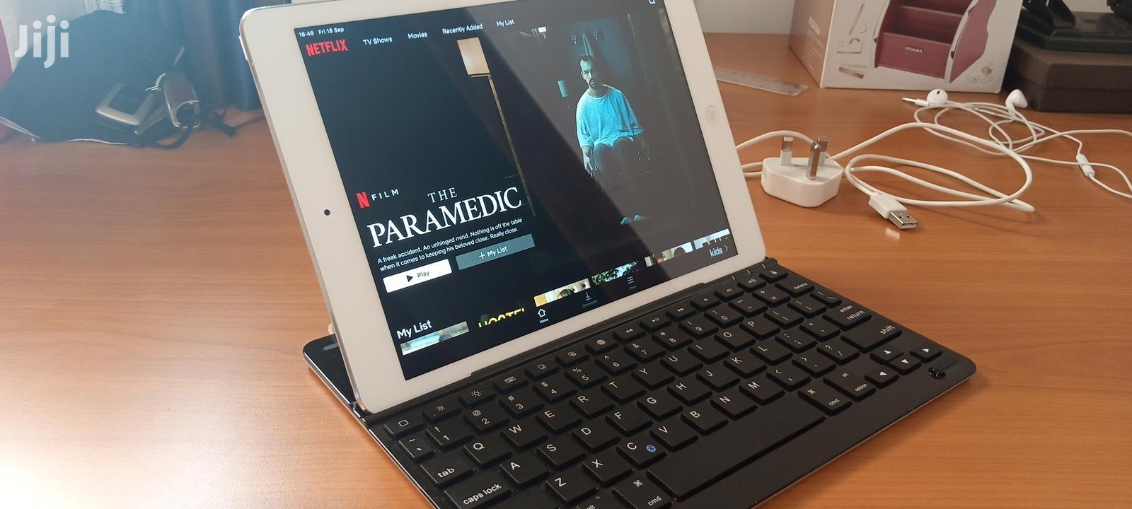 Archive: Apple iPad Air 16 GB White