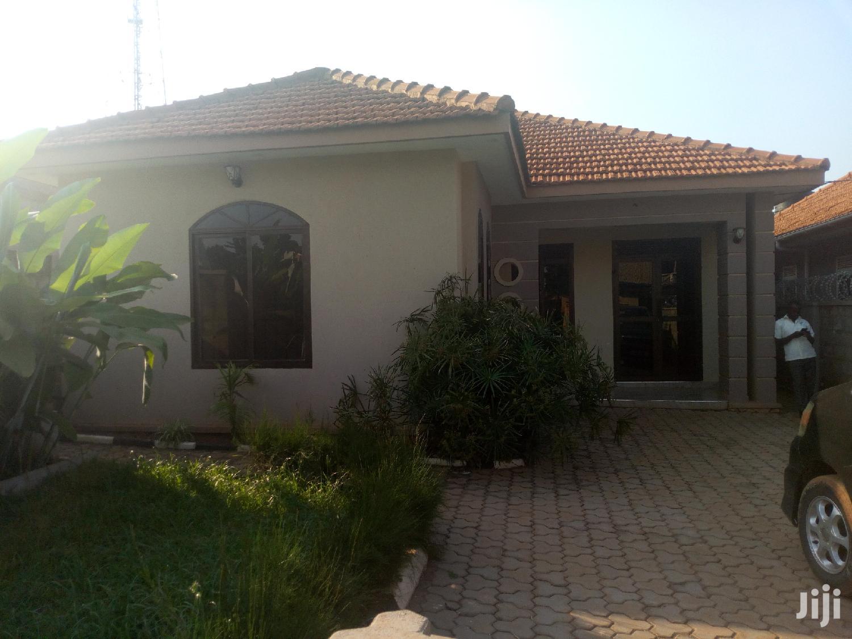 Three Bedroom House In Najjera For Sale