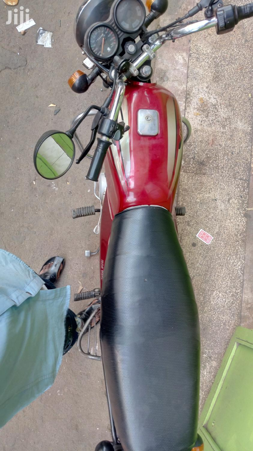 Archive: Bajaj Boxer 2019 Red