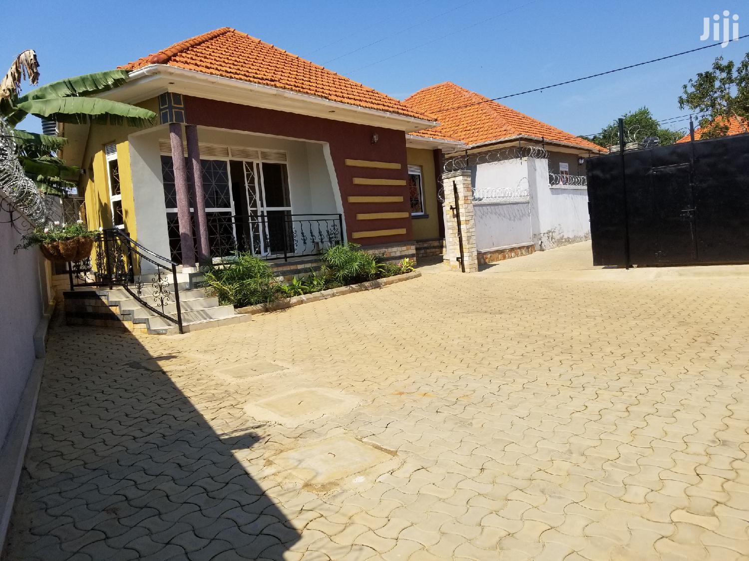 Archive: Brand House For Sale In Kira With Title