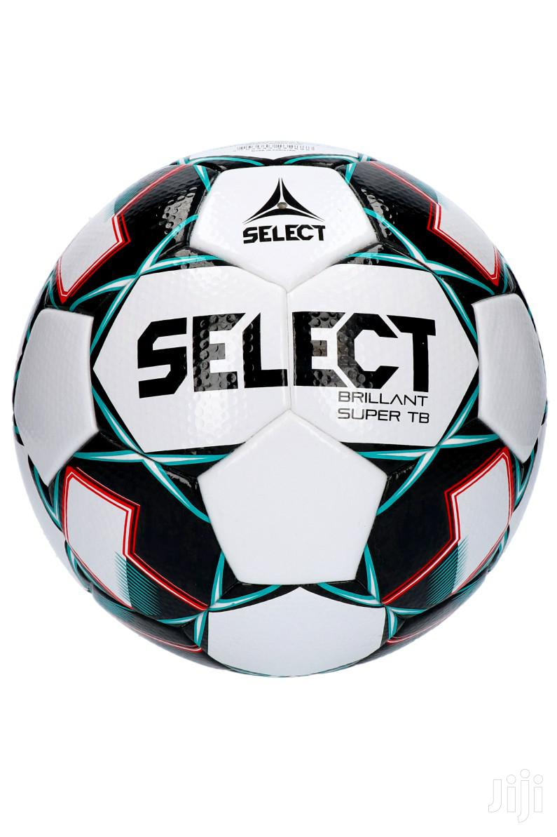 Select Waterproof Tubeless Football