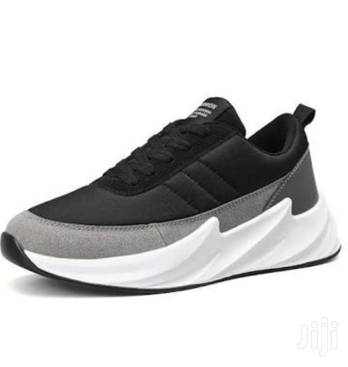 Men's Wave Runner Casual Sneakers
